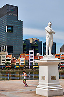 Singapour, le quartier colonial, Boat Quay et la statue de Raffles // Singapore, Colonial District, Raffles statue and Boat Quay