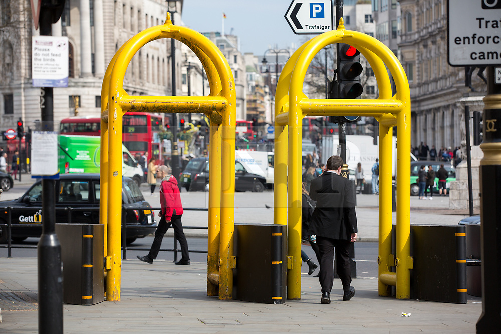 © Licensed to London News Pictures. 28/03/2017. London, UK. Armoured gating on the entrance to The Mall from Trafalgar Square. Security around London has been increased following Khalid Masood's terrorist attack and the killing of PC Keith Palmer on 22 March. Photo credit : Tom Nicholson/LNP