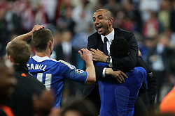 19.05.2012, Allianz Arena, Muenchen, GER, UEFA CL, Finale, FC Bayern Muenchen (GER) vs FC Chelsea (ENG), im Bild esultanza Roberto Di Matteo Chelsea, Celebration // during the Final Match of the UEFA Championsleague between FC Bayern Munich (GER) vs Chelsea FC (ENG) at the Allianz Arena, Munich, Germany on 2012/05/19. EXPA Pictures © 2012, PhotoCredit: EXPA/ Insidefoto/ Paolo Nucci..***** ATTENTION - for AUT, SLO, CRO, SRB, SUI and SWE only *****