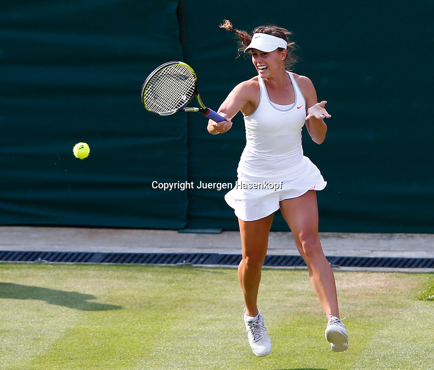 Wimbledon Championships 2013, AELTC,London,<br /> ITF Grand Slam Tennis Tournament,<br /> Michelle Larcher De Brito (POR),Aktion,Einzelbild,<br /> Ganzkoerper,Querformat,