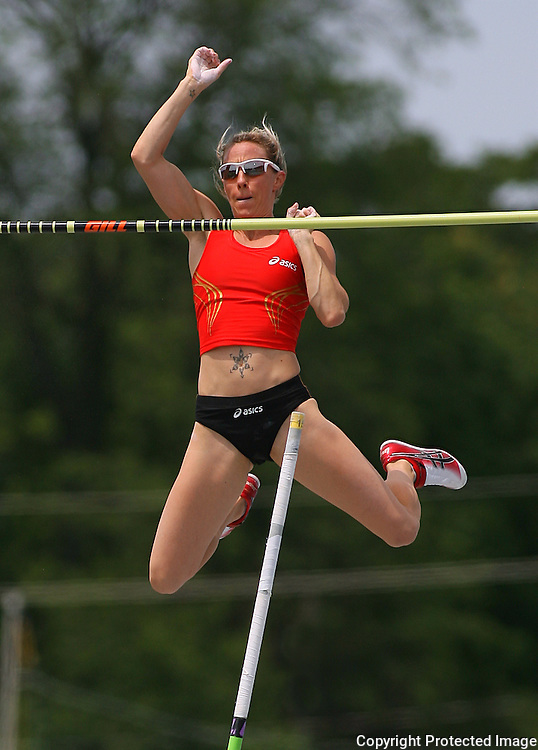 HOLIDAY - 13USA, Des Moines, Ia. - Becky Holiday finished third in the pole vault.  Photo by David Peterson