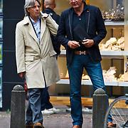 NLD/Laren/20100611 - Jacques Walch en Johan Koppenol pratend in Laren