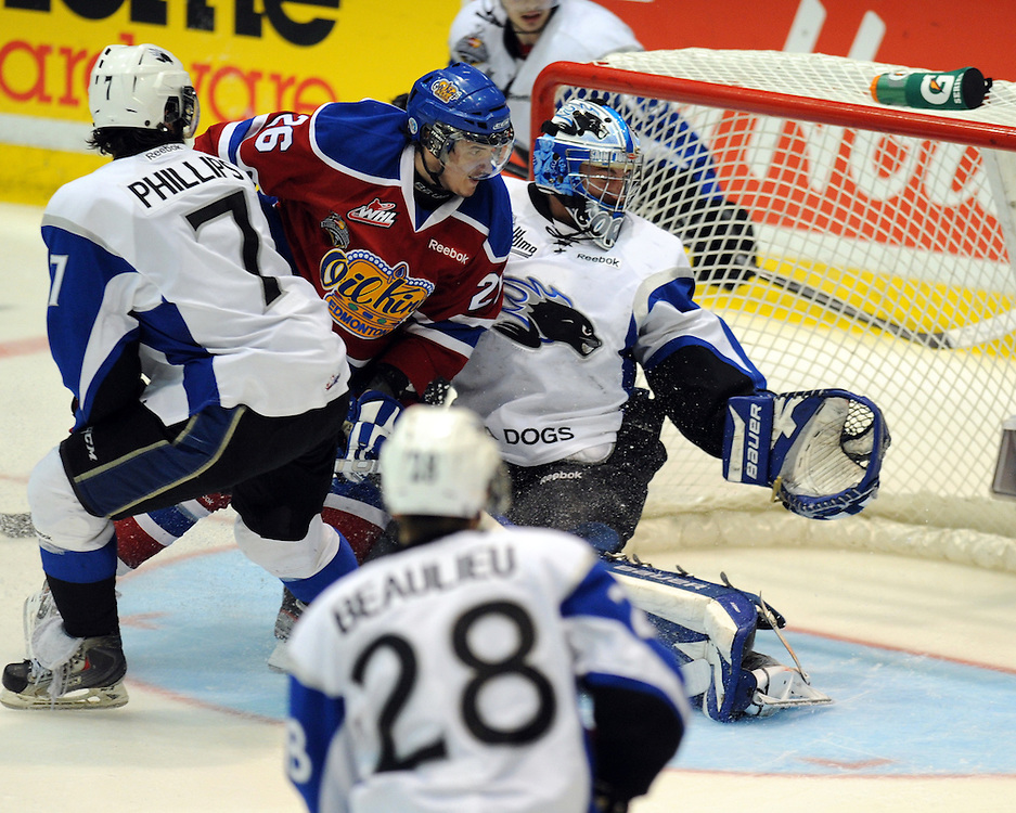 Action from Game 4 of the 2012 MasterCard Memorial Cup between the Edmonton Oil Kings and Saint John Sea Dogs in Shawinigan, Quebec on Monday May 21, 2012. Photo by Aaron Bell/CHL Images