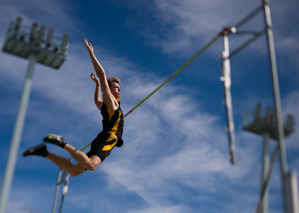 Long Beach State's Conner Rouse sets his second personal record with a height 16.8 3/4 feet, breaking his previous personal best of 16.3 ft, twice. Photo by Lucas Carter