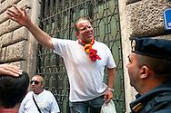 Roma 11 Settembre 2012.I lavoratori della GESIP, multiservizi di Palermo a rischio liquidazione protesta davanti il Parlamento in concomitanza del tavolo di discussione, a cui il sindaco Orlando si presenta con un piano di liquidazione della GESIP a fine 2012, per arrivare alla costituzione di una società consortile partecipata al 51% dal Comune stesso..