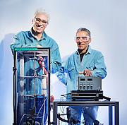 OSLO2014-06-12: Forskerne Knut Thorshaug og Alain Ferber med eminsjonspektroskop. FOTO:WERNERJUVIK