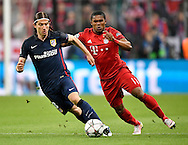 Douglas Costa of Bayern Munich and Filipe Luis of Atletico Madrid during the UEFA Champions League match at Allianz Arena, Munich<br /> Picture by EXPA Pictures/Focus Images Ltd 07814482222<br /> 03/05/2016<br /> ***UK &amp; IRELAND ONLY***<br /> EXPA-EIB-160503-0060.jpg