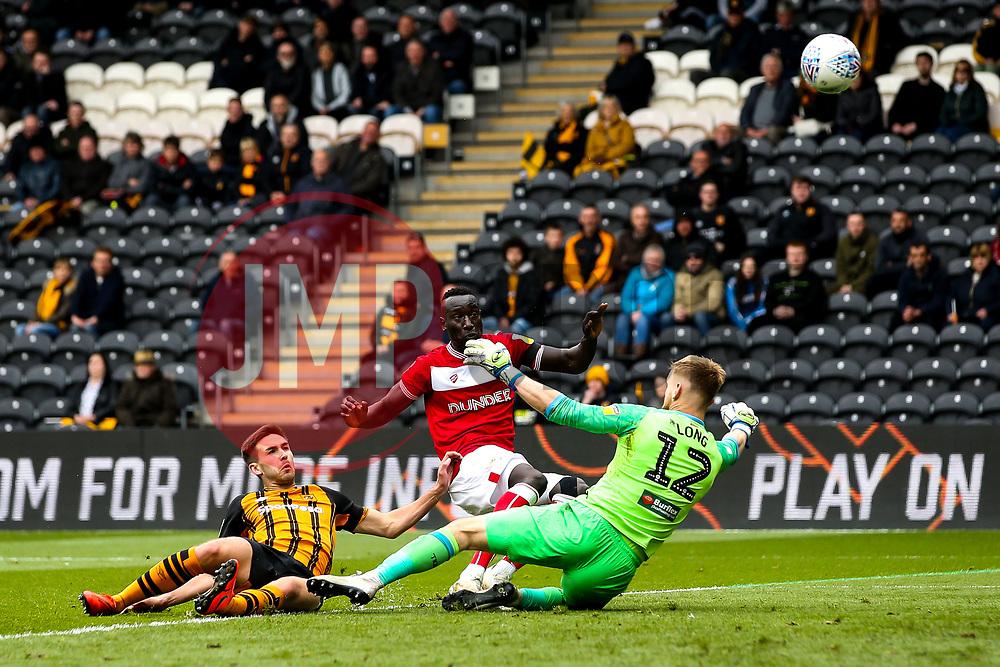 Famara Diedhiou of Bristol City shoots at goal - Mandatory by-line: Robbie Stephenson/JMP - 05/05/2019 - FOOTBALL - KCOM Stadium - Hull, England - Hull City v Bristol City - Sky Bet Championship