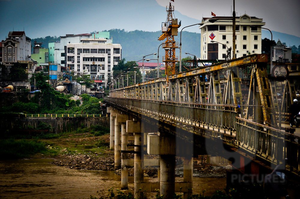 The prespective of a metalbridge in Lao Cai city, Lao Cai province, North Vietnam.