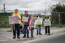 © Licensed to London News Pictures. 09/10/2017. Lancashire, UK.  Protesters at the Anti-Fracking Demonstration on Preston New Road Lancashire. The protest blocked the entrance to Cuadrillas Hydraulic fracking site as part of a Demo that  brought together activists from Greenpeace, The Green Party and the local community to protest against the drilling taking place at the site.  Photo credit: Steven Speed/LNP