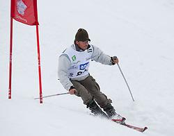 23.01.2012, Planai, Schladming, AUT, FIS Alpin Ski Weltcup, Slalom Herren, Sporthilfe Ski for Gold Promirennen, im Bild der Sänger Leo Aberer // Austrian singer Leo Aberer at the Sporthilfe Ski for Gold VIP Race during the FIS World Cup Alpine Skiing at the 'Planai', Schladming, Austria on 2012/01/23, EXPA Pictures © 2012, PhotoCredit: EXPA/ Erwin Scheriau