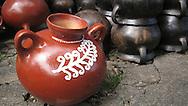 Handicrafts Guataguiagua black bar, Morazan El Salvador..Artesania en Barro negro en Guataguiagua, Morazan El Salvador. (Elmer Romero/Imagenes Libres).