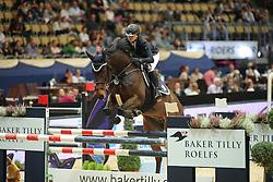 Aladushkina Julia, (RUS), Condor 561<br /> Champion von München<br />  Jumping München 2015<br /> © Hippo Foto - Stefan Lafrentz