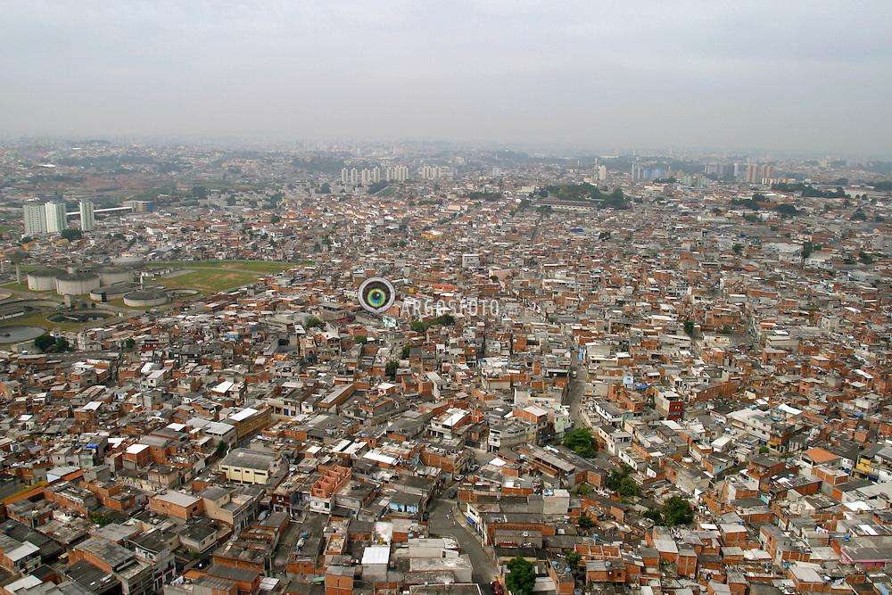 Sao Paulo,SP,Brasil. 19/03/2004.Favela de Heliopolis, zona sul da cidade.Gleba K.Sao Conurbacao metropolitana. A frente, Sao Paulo; ao fundo a esquerda, Sao Caetano do Sul..Foto Marcos Issa/Argosfoto