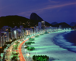 Praia de Copacabana / Copacabana Beach in Rio de Janeiro