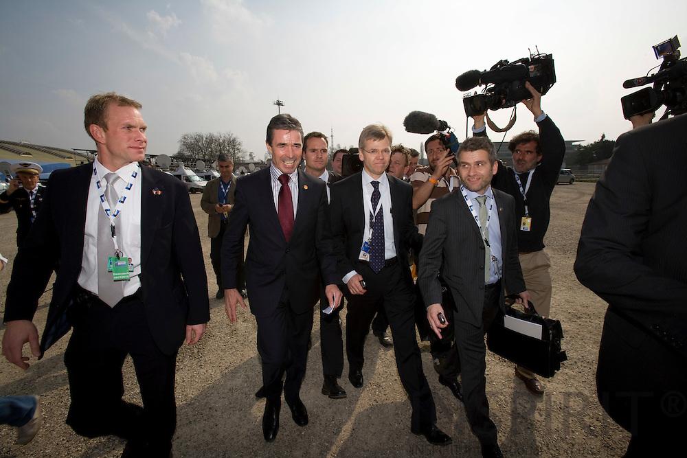 STRASBOURG - FRANCE - 04 APRIL 2008 -- NATO Topmoede -- En glad nyudnævnt NATO generalsekretær Anders Fogh Rasmussen foelges af sine folk fra statsministeriet og en flok pressefolk efter hans udnævnelse. Photo: Erik Luntang