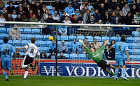 Photo: Ed Godden.<br />Coventry City v Derby County. Coca Cola Championship. 11/11/2006. Derby's Jon Stead (out of picture) scores the opening goal.