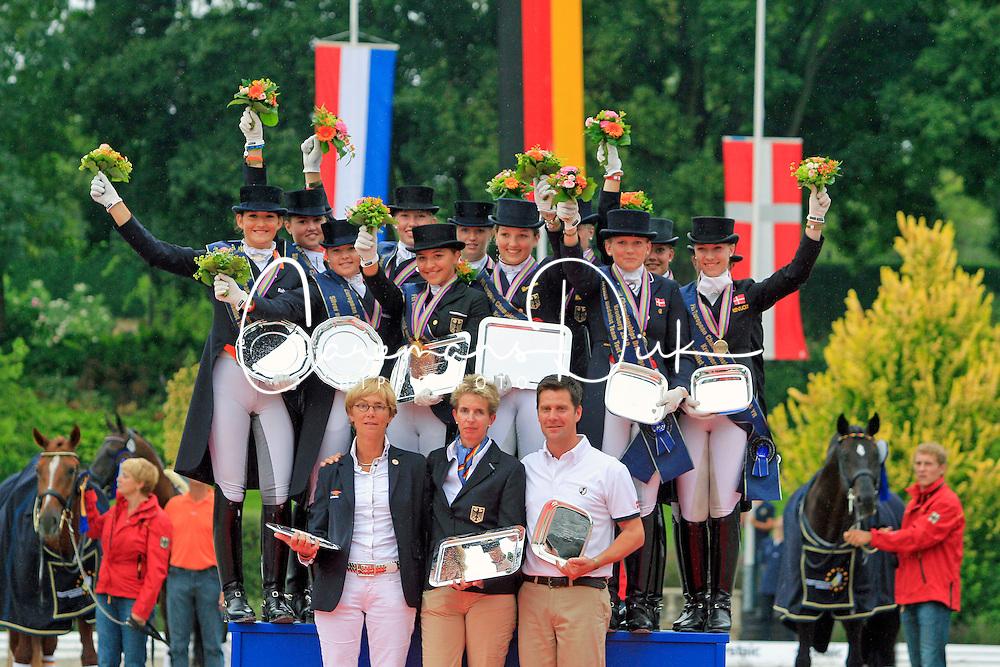 Prizegiving Juniors<br /> 1. GER  2. NED  3. DEN<br /> European Championship Junior 2010 <br /> © Hippo Foto - Leanjo de Koster