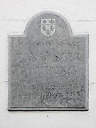 "Plaque on Bannister building ""Pembroke College BANNISTER BUILDING Sir Roger Bannister Master 1985-1993"""
