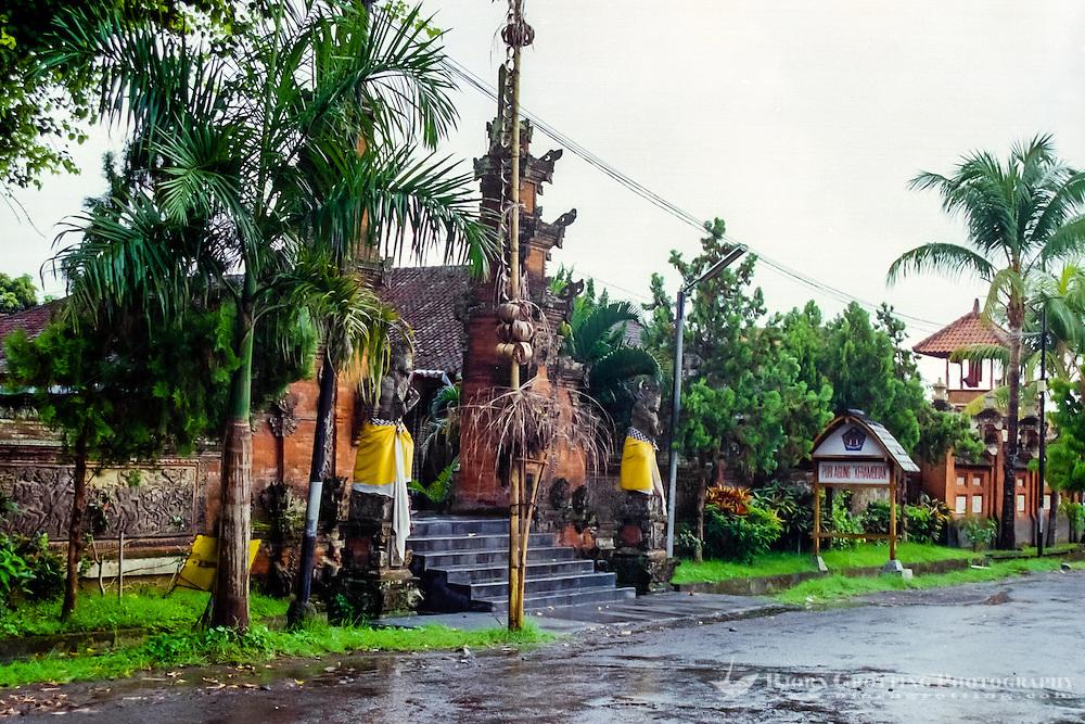Bali, Tabanan, Kerambitan. The entrance to the Puri Agung Kerambitan palace.