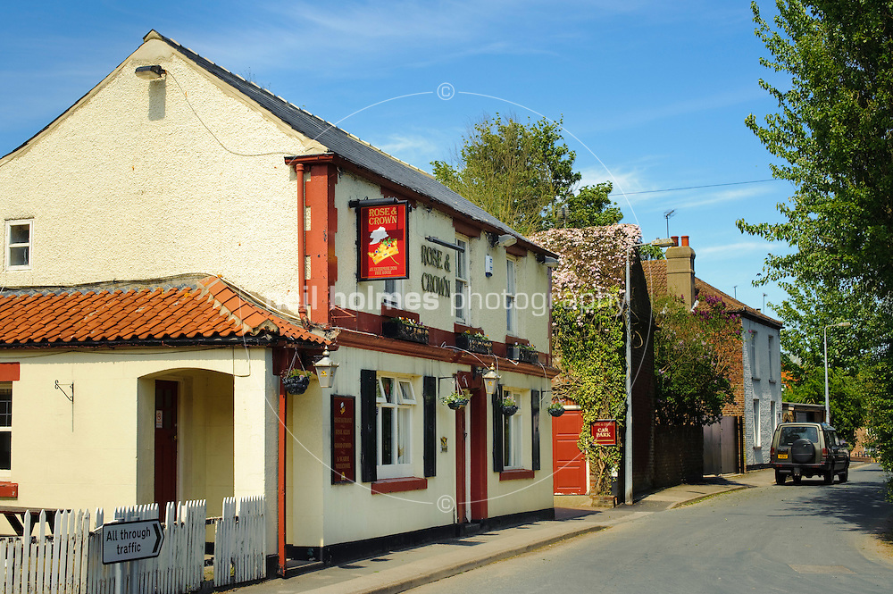 Rose and Crown pub Chapel Lane,  Middleton on the Wolds