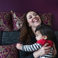 Nederland, Zoetermeer, 31 maart 2016.<br /> Leyla Cakir sociaal werker en voorzitster van Al Nisa met haar zoontje. <br /> Al Nisa ('de vrouwen') is een vrijwilligersorganisatie voor moslimvrouwen en kinderen en voor vrouwen met interesse voor de islam.<br /> <br /> Foto: Jean-Pierre Jans
