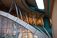 """È stata inaugurata il 1° luglio 2004, la nuova Chiesa di San Pio da Pietrelcina progettata dall'architetto Renzo Piano. Esattamente 45 anni prima, nel 1959,  veniva inaugurata la chiesa """"grande"""" di Santa Maria delle Grazie. .Sorta a fianco del santuario e convento in cui visse il frate, ha la forma di una conchiglia e la sua pianta ricorda quella della spriale archimedea. Enormi archi parto dal perimetro esterno e terminano nel fulcro della """"conchiglia"""" dove è posto l'altare. Possenti staffe d'acciaio, ancorate agli archi, sorreggono la volta che ricoperta di rame preossidato espone alla vista un intenso un colore verde-rame.   .Con i suoi 6000 mq, è la seconda chiesa più grande in Italia per dimensioni, dopo il Duomo di Milano. Può ospitare oltre 7000 persone e per la sua realizzazione sono state impiegati 30.000 metri cubi di calcestruzzo, 1.320 blocchi in pietra di Apricena, 70.000 metri cubi di scavo in roccia, 60.000 chili di acciaio, 500 mq di vetro, 19.500 mq di rame preossidato. Ogni anno è meta di oltre sei milioni di pellegrini."""