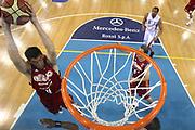 DESCRIZIONE : Rieti Lega A1 2008-09 Solsonica Rieti Lottomatica Virtus Roma<br /> GIOCATORE : Roberto Gabini<br /> SQUADRA : Lottomatica Virtus Roma<br /> EVENTO : Campionato Lega A1 2008-2009 <br /> GARA : Solsonica Rieti Lottomatica Virtus Roma<br /> DATA : 21/12/2008 <br /> CATEGORIA : rimbalzo special<br /> SPORT : Pallacanestro <br /> AUTORE : Agenzia Ciamillo-Castoria/E.Castoria