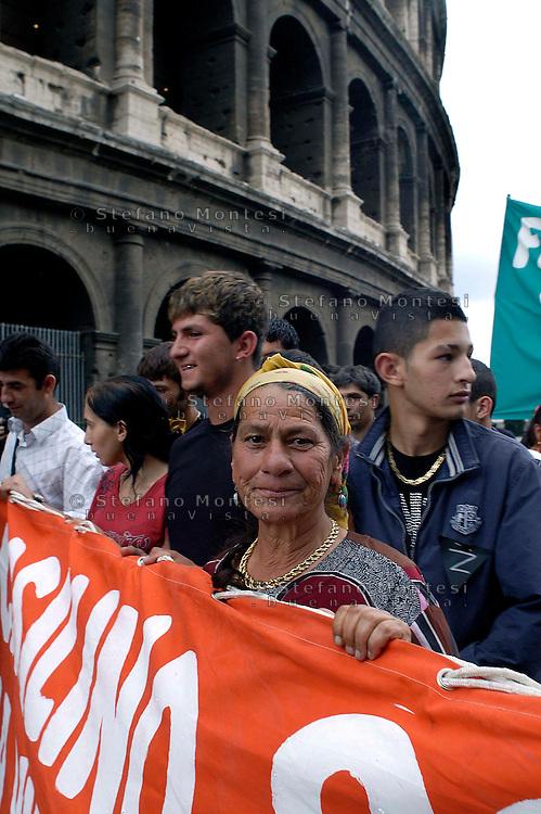 Rome  July 8 2008.Demonstrators protest against the discrimination of Roma and Sinti..Manifestazione nazionale  di Rom e Sinti contro lil razzismo