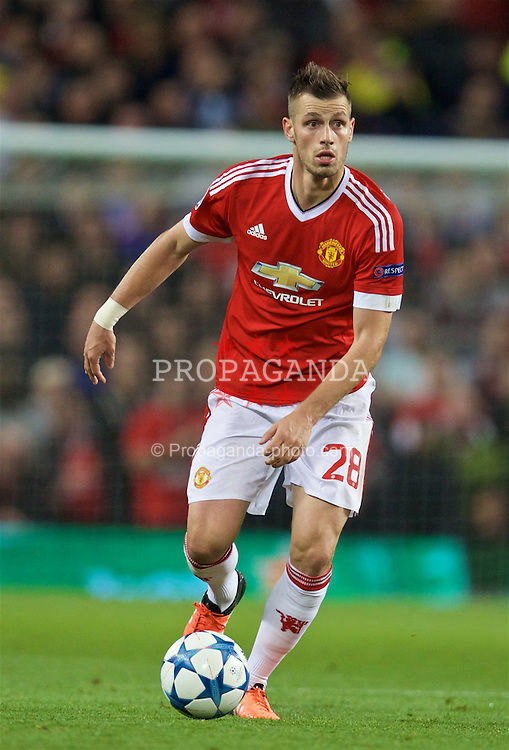 MANCHESTER, ENGLAND - Wednesday, September 30, 2015: Manchester United's Morgan Schneiderlin in action against VfL Wolfsburg during the UEFA Champions League Group B match at Old Trafford. (Pic by David Rawcliffe/Propaganda)