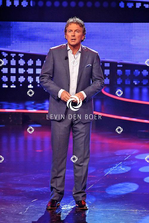 HILVERSUM - De tweede live show van Hollands Got Talent met diversen optredens. Met op deze foto  Robert ten Brink als presentator. FOTO LEVIN DEN BOER - PERSFOTO.NU