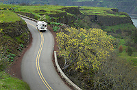 RV on Historic Columbia River Highway at Rowena Crest, Columbia River Gorge National Scenic Area, Oregon