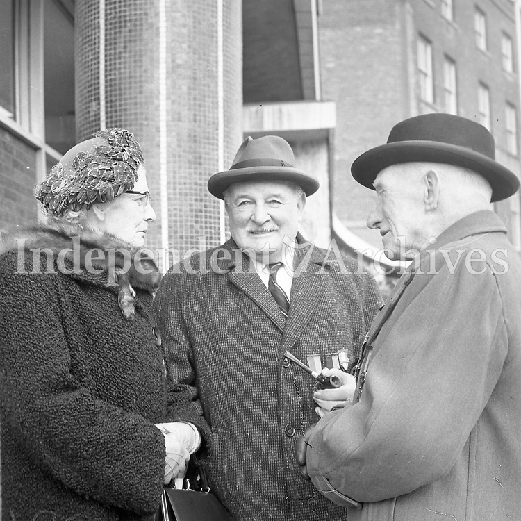 R4374<br />