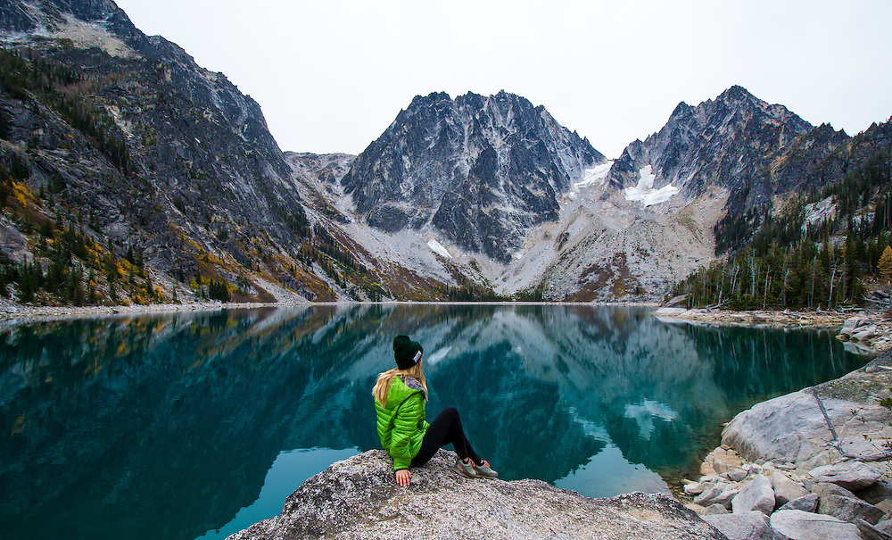 Noelle Snyder hiking through the Enchantments in Washington
