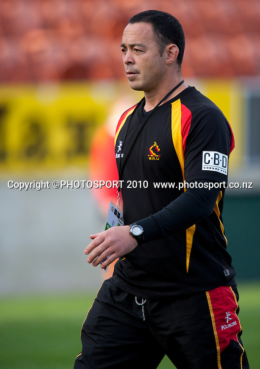 Waikato Assistant Coach Greg Smith before the ITM Cup rugby match Waikato v Taranaki, won by Taranaki 33-23, at Waikato Stadium, Hamilton, New Zealand, Sunday 15 August 2010. Photo: Stephen Barker/PHOTOSPORT