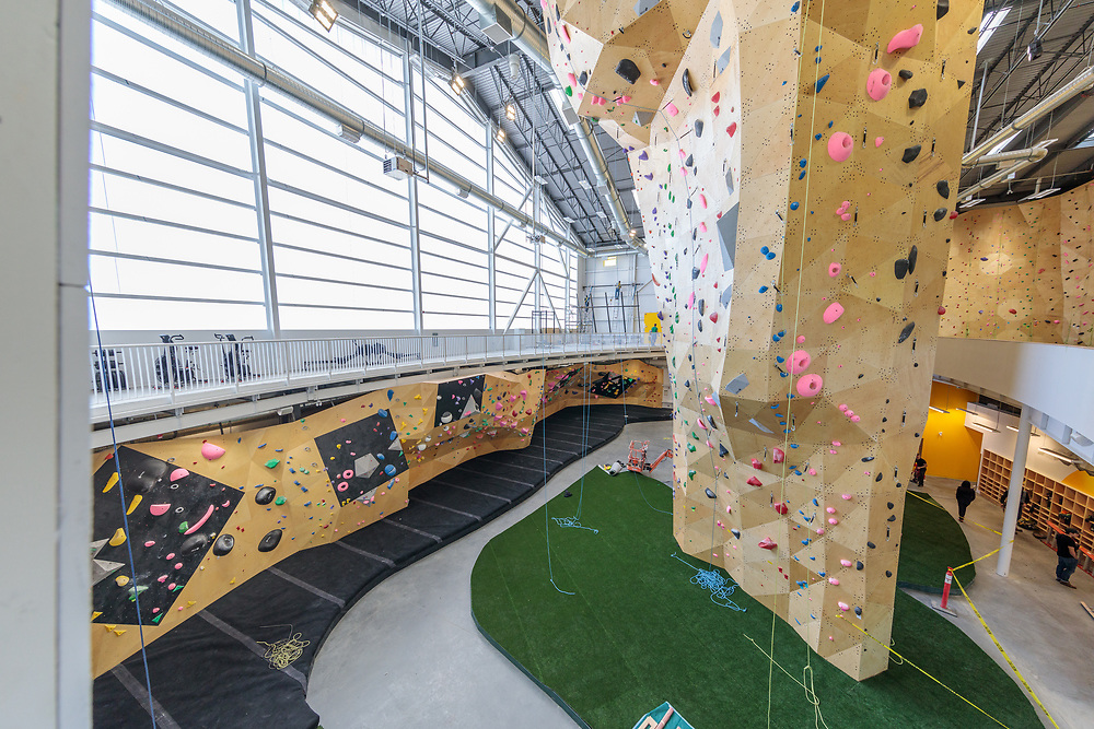 Calgary Climbing Center - Rocky Mountain