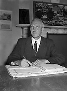28/05/1954<br /> 05/28/1954<br /> 28 May 1954<br /> Persons at Offig Indiu, Irish language newspaper, Talbot Street, Dublin.<br /> Padraig O Cochlain.