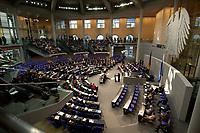 17 OCT 2003, BERLIN/GERMANY:<br /> Uebersicht, Plenum, Deutscher Bundestag<br /> IMAGE: 20031017-01-043<br /> KEYWORDS: Übersicht, Uebersicht, Plenum, Plenarsaal, Saal, Bundesadler, Adler, Reichstag