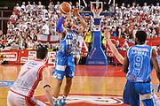 DESCRIZIONE : Reggio Emilia Lega A 2014-15 Grissin Bon Reggio Emilia - Banco di Sardegna Sassari playoff finale gara 2 <br /> GIOCATORE :Logan David<br /> CATEGORIA : Tiro Tre Punti <br /> SQUADRA : Banco di Sardegna Sassari<br /> EVENTO : LegaBasket Serie A Beko 2014/2015<br /> GARA : Grissin Bon Reggio Emilia - Banco di Sardegna Sassari playoff finale gara 2<br /> DATA : 16/06/2015 <br /> SPORT : Pallacanestro <br /> AUTORE : Agenzia Ciamillo-Castoria / Richard Morgano<br /> Galleria : Lega Basket A 2014-2015 Fotonotizia : Reggio Emilia Lega A 2014-15 Grissin Bon Reggio Emilia - Banco di Sardegna Sassari playoff finale gara 2 Predefinita :