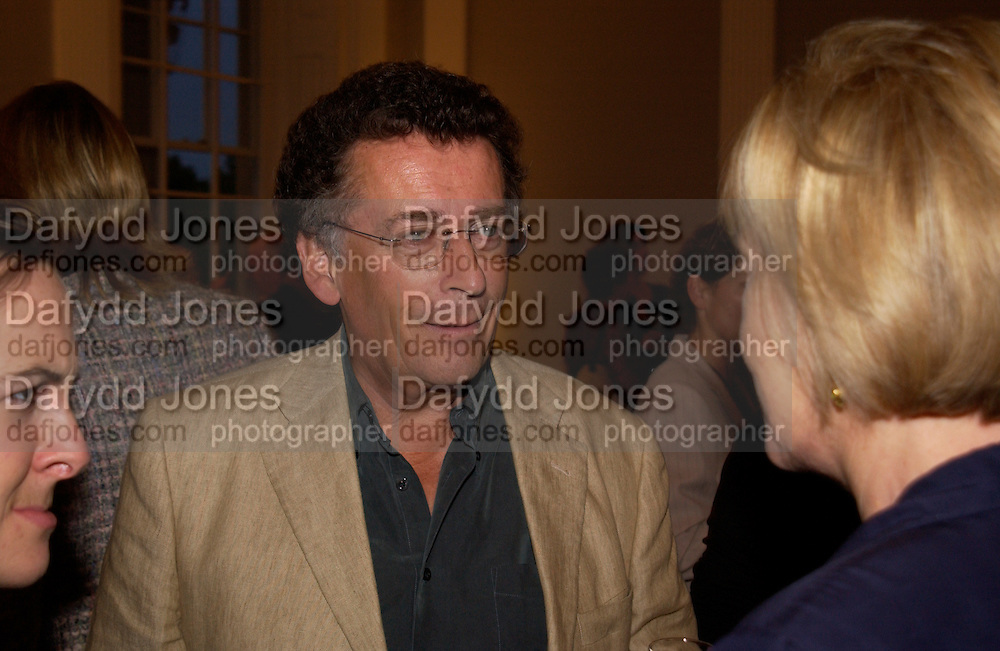 Robert Powell, launch of 'David Hemmings Blow-Up and other exaggerations'. Published by Robson. I.C.A. The Mall.  SUPPLIED FOR ONE-TIME USE ONLY-DO NOT ARCHIVE. © Copyright Photograph by Dafydd Jones 66 Stockwell Park Rd. London SW9 0DA Tel 020 7733 0108 www.dafjones.com