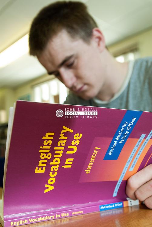 Prisoner learns basic English, UK prison