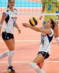 27-09-2015 NED: Volleyball European Championship Slovenie - Italie, Apeldoorn<br /> Italie wint met 3-0 van Slovenie / Eleonora Lo Bianco<br /> Photo by Ronald Hoogendoorn / Sportida