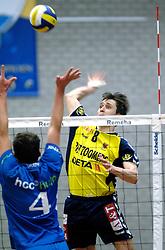 01-02-2006 VOLLEYBAL: PIET ZOOMERS D - BROTHER MARTINUS: APELDOORN <br /> Piet Zoomers wint met 3-0 van Martinus in de kwartfinale beker / Eerik Jago<br /> ©2006-WWW.FOTOHOOGENDOORN.NL