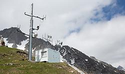 THEMENBILD - durch die Region in und um Innsbruck führen zahlreiche Wanderwege und -routen für alle Zielgruppen. Vom Familienwanderweg bis zu hochalpinen Touren ist für alle Naturbegeisterten etwas dabei. Im Bild eine Digitalfunk-Sendestation der Einsatzorganisationen und eine Lüftgütemesstation auf der Seegrube // The region in and around Innsbruck lead numerous hiking trails and routes for all target groups. From the family hiking trail to high alpine tours, there is something for all nature enthusiasts. Innsbruck, Austria on2017/05/21. EXPA Pictures © 2017, PhotoCredit: EXPA/ Jakob Gruber