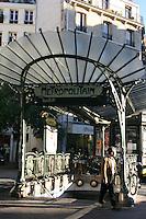 Decorative entrance to Metro station Paris<br />