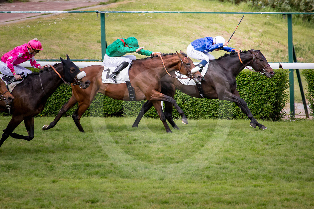 Cloth of Stars (M. Barzalona) beats Zarak (C.Soumillon) in Gr 1 Prix Ganay in Saint Cloud, France,  1 may 2017, photo Zuzanna Lupa