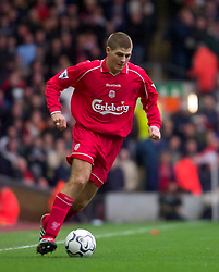 LIVERPOOL, ENGLAND - Sunday, November 4, 2001: Liverpool's Steven Gerrard during the Premiership match against Manchester United at Anfield. (Pic by David Rawcliffe/Propaganda)