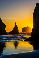 Wizards Hat (sea stack) at Bandon Beach, Oregon USA.