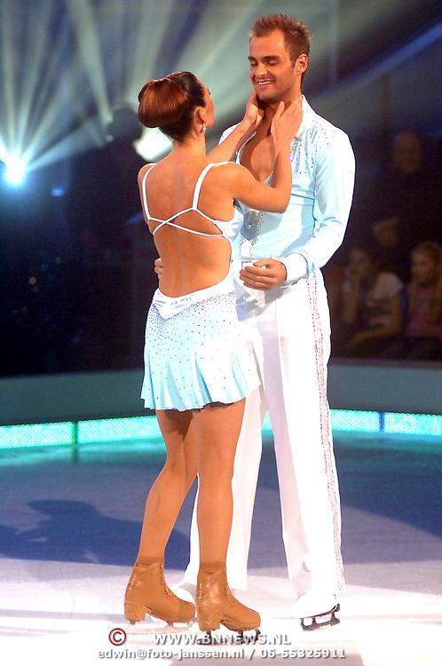NLD/Baarn/20070314 - 10de Live uitzending RTL Dancing on Ice 2007, Quinty Trustfull - van den Broek en haar vader en schaatspartner Stuart Widdall