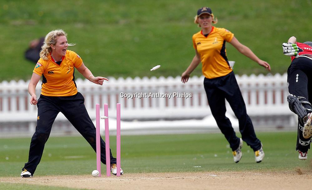 Wellington Blaze's Lucy Doolan, Action Cricket Twenty20 Final, Blaze v Magicians. Basin Reserve, Wellington. Saturday 5 February 2011. Photo: Anthony Phelps/PHOTOSPORT